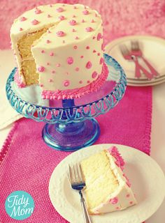 Decorating cakes with buttercream - Click image to find more Kids Pinterest pins