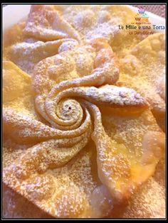 FRITTELLE DI CARNEVALE - Fasnachtsküchlein svizzere - Le Mille e una Torta di Dany e Lory Italian Lemon Cookies, Italian Cookie Recipes, Best Italian Recipes, Pastry Recipes, Mini Desserts, Great Desserts, Snack Recipes, Cooking Recipes, Snacks