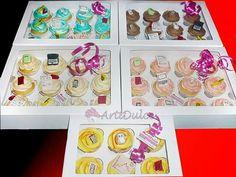 Cuatro docenas y media de cupcakes q nos encargaron desde una empresa de Burgos, de sabores variados y decorados con motivos de oficinas
