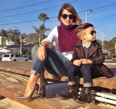 Alonso  Mateo & @LuisaFere in very subtly coordinated outfits.