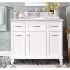 Charlton Home Tristian 42 Single Bathroom Vanity Set Single Bathroom Vanity, Modern Bathroom, Master Bathroom, Bathroom Vanities, Bathroom Ideas, Bathroom Makeovers, Remodel Bathroom, Minimal Bathroom, Marble Bathrooms