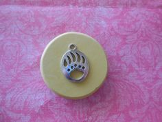 Bear Paw Print Mold, silicone mold, craft mold, porcelain, resin, jewelry mold, food mold, pop up mold, clay mold, flexible, charms, fondant