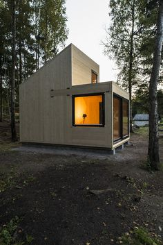 Galería de / Marianne Borge 2 / Marianne Borge Photo Jonas Adolfsen The post Galería de / Marianne Borge 2 appeared first on Landhaus ideen. Tiny Cabins, Tiny House Cabin, Cabins And Cottages, Cabin Design, Tiny House Design, Flat Roof Design, Timber Cabin, Weekend House, Prefab Homes
