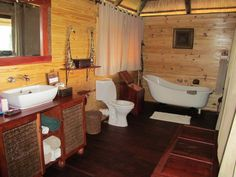 Bathroom en suite at Nehimba Safari Lodge