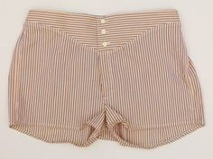 """From article: """"Boxer shorts in color were a new trend although slow to catch on. Popular colors were blue, mauve, and peach in silk or cotton.  In 1929 clothing companies introduced rubber in the waist band of loose undershorts rather than a tie string.  At the same time they also introduced a fly that opened to the side"""""""