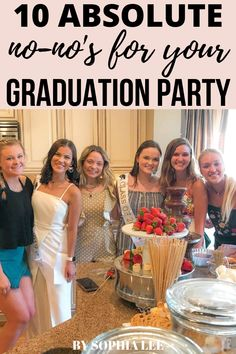 SO many great points on graduation party ideas! Vintage Graduation Party, Outdoor Graduation Parties, Graduation Party Centerpieces, Graduation Party Themes, High School Graduation Gifts, Grad Parties, Graduation Ideas, Diy 2019