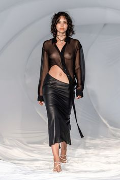 Vogue Paris, Backstage, Fashion Show, Girl Fashion, Fashion Trends, Capsule Wardrobe Essentials, Christopher Esber, Flatlay Styling, Shirt Skirt