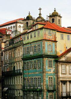 On a rainy day in Porto via Flickr.   S.Richard