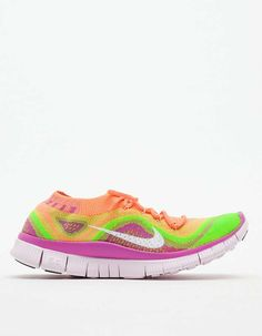 Love the Nike Free Flyknit+ on Wantering   $120   sale price   Boxing Week for Her   womens Nike sneakers   womens shoes   womens runners   fashion   style   wantering http://www.wantering.com/womens-clothing-item/nike-free-flyknit/acZqJ/