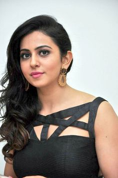 Most Beautiful Hollywood Actress, Most Beautiful Indian Actress, Beautiful Actresses, Bollywood Actress Hot Photos, Beautiful Bollywood Actress, Beauty Full Girl, Beauty Women, Beautiful Heroine, Angels Beauty
