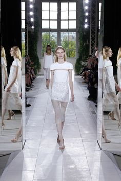 Balenciaga | Spring 2014 Ready-to-Wear Collection | Style.com