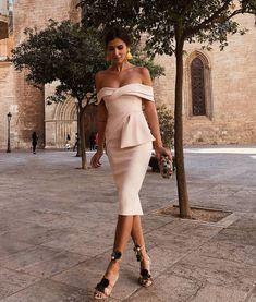 """341 Me gusta, 17 comentarios - MissInvitadas (@missinvitadas) en Instagram: """"ELLA siempre impecable para la ocasión @meryturiel . . . #weddingday #wedding #boda…"""""""