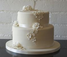 Two Tier Buttercream Wedding Cakes   Two Tiers Wedding Cake Simple yet Fancy