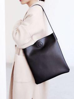 Original Genuine Leather Tote Bag Handbag Shoulder bag Purse Gifts for Women Source by evavolm Bags leather Black Leather Bags, Leather Handbags, Black Bags, Pink Leather, Minimalist Bag, Casual Bags, Fashion Bags, Women's Fashion, Purses And Handbags