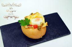 Panecillos rellenos de pisto manchego y huevo de codorniz. La Loggia Gastrobar (Jaén)