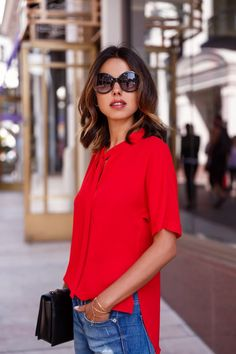 Trendy how to wear red blouse jeans Ideas Red Top Outfit, Red Plaid Shirt Outfit, Red Blouse Outfit, Red Shirt Outfits, Blue Jeans, Red Long Sleeve Shirt, Red Blouses, Casual Street Style, Ideias Fashion