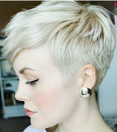 @sarahb.h #pixie #harcut #shorthair #h #s #p #shorthaircut #blondehair #b #hair #blondeshavemorefun #platinumhair #blonde #haircuts
