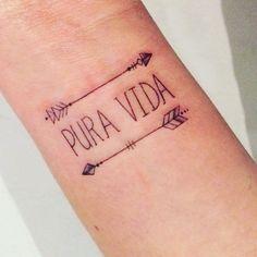 Kleine pols tattoage / small wrist tattoo / pura vida / boho tattoo / Ibiza tattoo
