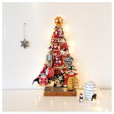 Collector's Christmas tree at  http://diydiyblogi.blogspot.fi/