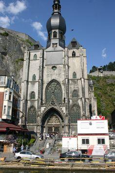 dinant katedra  belgia