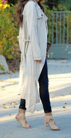 trench coat & nude heels | pursuitofshoes.com