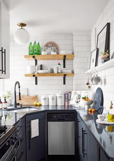 With the right storage strategy, it's easy to stay organized in a small living space (like apartments). We'll show you how to organize your home with creative storage ideas for small spaces. Smart Kitchen, New Kitchen, Kitchen Cleaning, Kitchen Color Palettes, Kitchen Colors, Kitchen Organization, Kitchen Storage, Organization Ideas, Organizing Tips