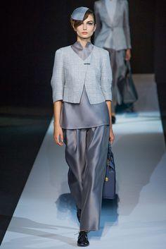 Giorgio Armani Spring 2013 Ready-to-Wear Fashion Show Collection