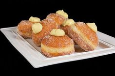 Bomboloni alla crema - Italian cream-filled donuts (these ended up being my favo. - Bomboloni alla crema – Italian cream-filled donuts (these ended up being my favorite pastry to ea - Italian Donuts, Italian Pastries, Italian Desserts, Just Desserts, Delicious Desserts, Dessert Recipes, Yummy Food, Italian Foods, Beignets