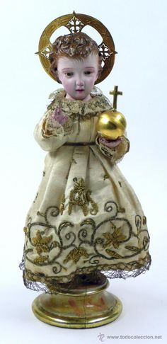 PEQUEÑO NIÑO JESÚS DE MADERA, 29 cm de alto de peana a cabeza. Finales s.XIX, ver fotos.   (Arte - Arte Religioso - Escultura)