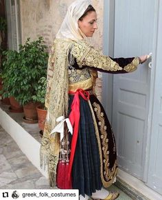 Traditional Clothes, Ukraine, Georgia, Greece, Russia, Sari, India, Fashion, Curve Dresses