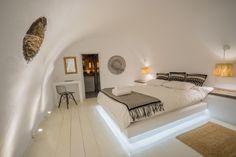 Design: Bikas Constantinos www.constantinosb...  Canvas suites, oia, santorini. (cavehouse) photo shooting: michael tolkas