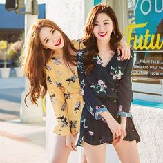 熱帶風情花朵V領綁帶連身褲 Friends forever #Korean Fashion #Jumpsuit More Jumpsuit on https://www.pinterest.com/mydresstw/jumpsuit/