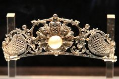 Platinum diamond and pearl tiara, British or French c. 1907, Mikimoto Pearl Museum