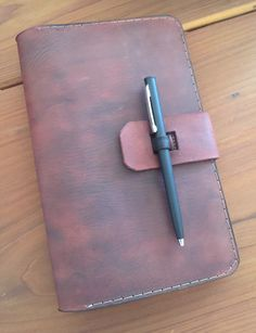 Handcrafted genuine leather notebook cover / sketch pad by clutchleather on Etsy https://www.etsy.com/listing/292559543/handcrafted-genuine-leather-notebook