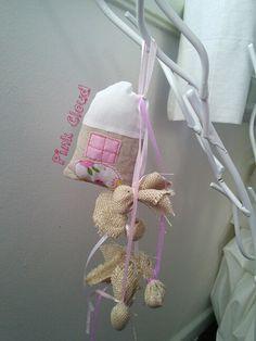 Μπομπονιερα βαπτισης κοριτσι σπιτακι/pink cloud wedding gowns
