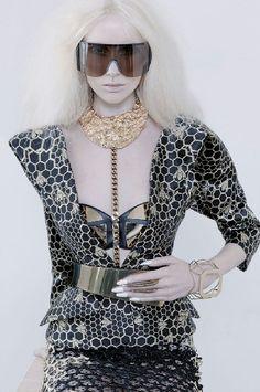 A golden 'vertebrae' necklace by Giuseppe Zanotti