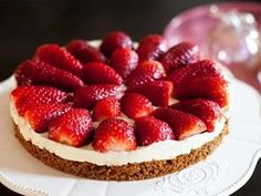 Strawberry tart without cooking with Thermomix Raw Food Recipes, Cooking Recipes, Desserts With Biscuits, Strawberry Tart, Creme Dessert, Thermomix Desserts, Gourmet Desserts, Easy Cheesecake Recipes, Food Menu