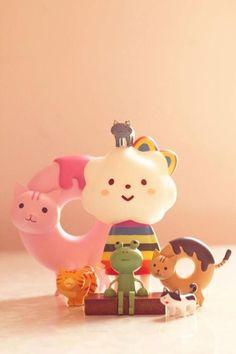 Kawaii creatures! Vinyl Toys, Vinyl Art, Hobby Toys, Kawaii Diy, Cute Little Things, Designer Toys, Wood Toys, Cute Crafts, Toy Boxes