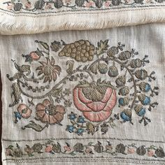 You are viewing an attractive example of embroidery. Example from the : Ottoman period. Hand Embroidery Patterns Free, Hand Applique, Vintage Embroidery, Sewing Patterns Free, Free Sewing, Embroidery Art, Urban Workshop, Embroidered Towels, Embroidery Techniques