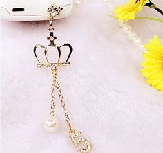 Bling rhinestone crown pearls phone dust plugiPhone dust plugearphone plugs … - Everything About Technology 2019 Kawaii Accessories, Iphone Accessories, Bag Accessories, Mobile Accessories, Portable Apple, Phone Decals, Cute Keychain, Keychains, Luxury Girl