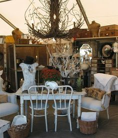 Round Top TX!!!! I haven't been there but I hear it is AMAZING!!! Antique Market, Vintage Market, Antique Stores, Antique Store Displays, Vintage Shop Display, Booth Ideas, Display Ideas, Market Displays, Antique Show