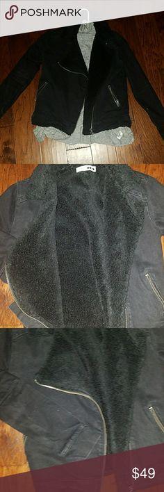 TOPSHOP shearling motto jacket Super warm and stylish jacket by TOPSHOP Topshop Jackets & Coats