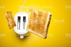 Salto tostadas de pan – fotografía de stock libre de derechos