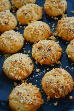 Greek Desserts, Greek Recipes, Greek Meals, Tree Branch Decor, Coconut Cookies, Biscuits, Muffin, Oreos, Cooking