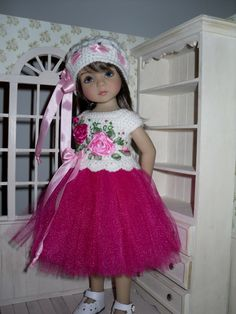 Knitted set for Dianna Effner Little Darling 13 inches doll including: - blouse, - skirt, - hat. All items are handmade. This listing does not