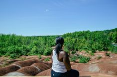 Making a trip to the Cheltenham Badlands? Here is a quick guide to visiting the Badlands located just an hour from Toronto in Caledon, Ontario. Cheltenham Badlands, John Muir, Natural Wonders, Things To Know, Just Go, Trekking, Ontario, Paths, Life Is Good