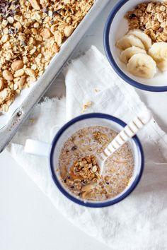 Wenn ihr riechen könntet, wie gut dieses Erdnuss Granola mit Erdnussbutter, Kakaonibs und getrockneten Bananen duftet, wenn man es aus dem Ofen holt- ihr wärt diesem…Weiterlesen