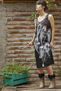 vota aca por mi diseño.  http://www.drive.cl/redisena-la-moda/14/