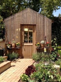 Nice details on this garden shed.