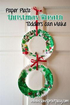 This paper plate Christmas wreath is so easy, even toddlers can make it! Do this in your lower elementary classroom. How cute would it look on a bulletin board?!